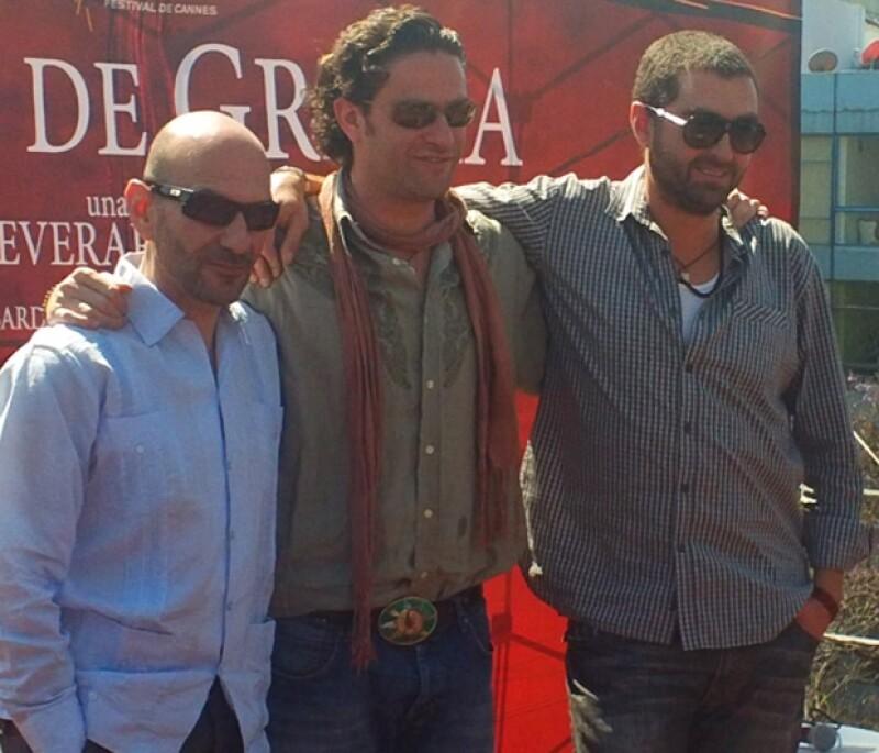 Hervé Schneid, Everardo Gout y Luis Sansans, fotógrafo de la cinta, durante la conferencia de prensa.