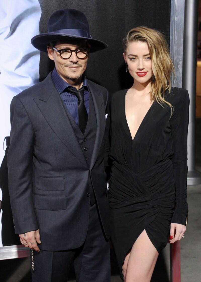 Los actores, que se habían comprometido desde el 2012, se casaron ayer por el civil en la mansión de él en Los Ángeles.