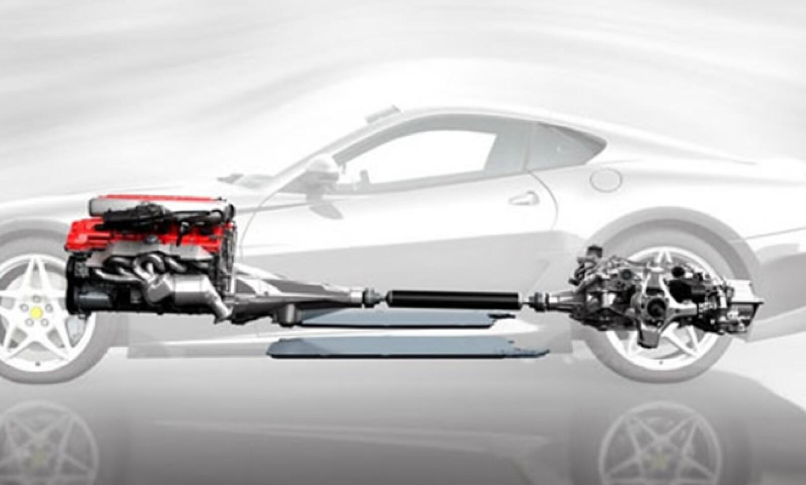 El módulo eléctrico instalado en el 599 GTB Fiorano recibe el nombre de HY-KERS. En él, confluyen un motor compacto y ligero, que pesa 45 kg y de algo más de 100 caballos de fuerza.