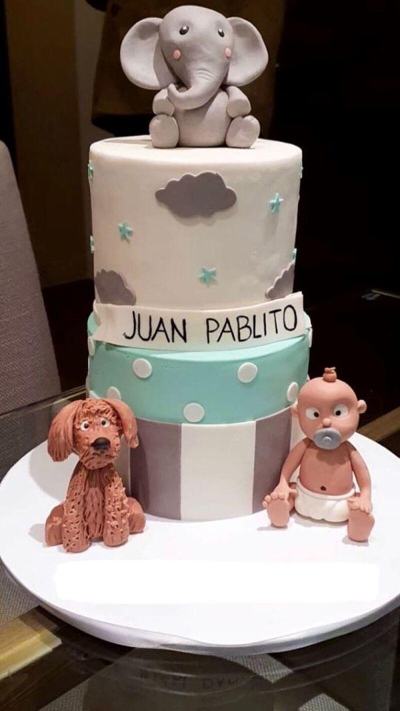 Primer mes del hijo de Eruviel Ávila y María Irene Dipp 3.jpg