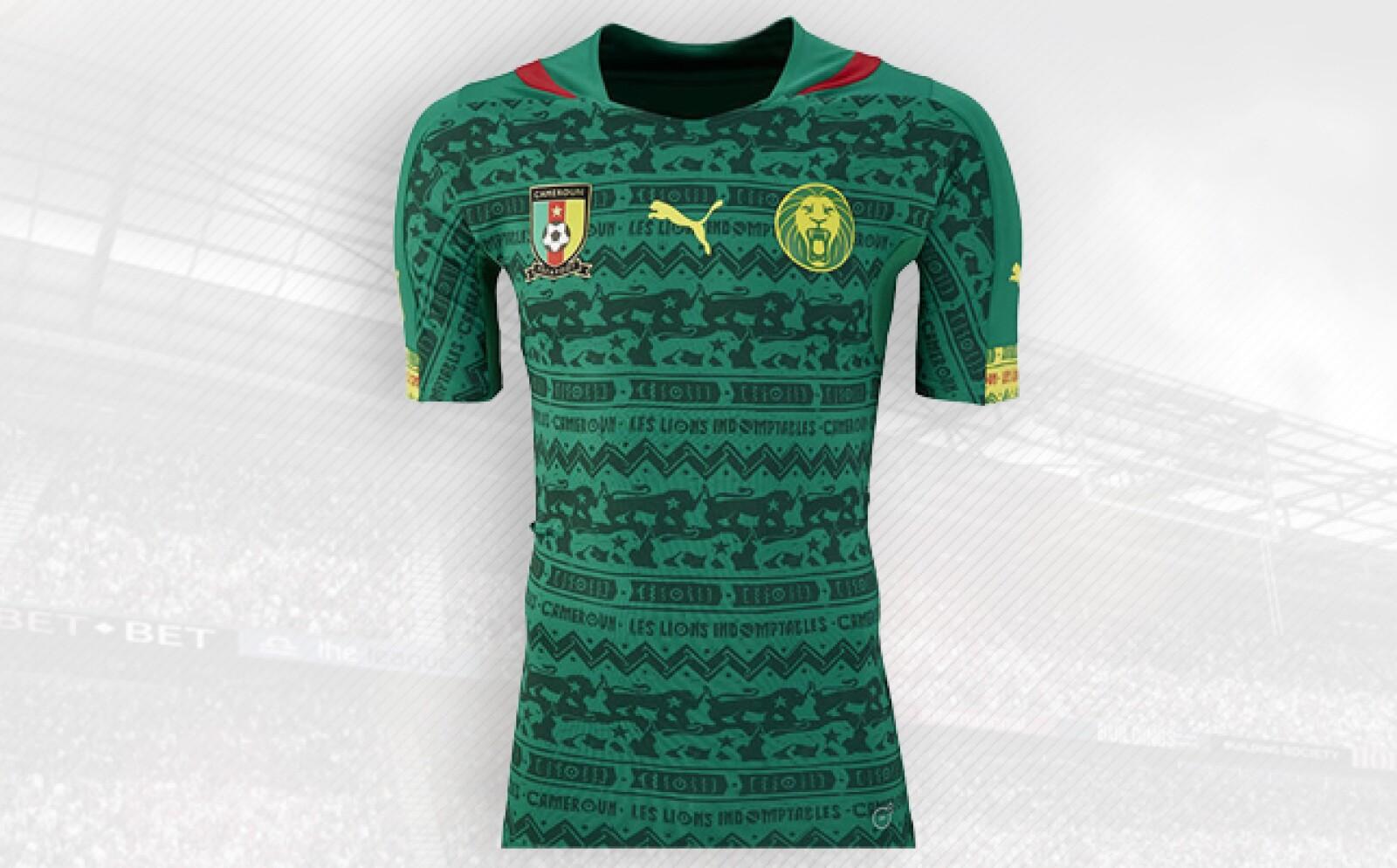 La selección africana y Puma son socios desde 1997 y han generado polémica, como en 2002 cuando presentaron una camiseta sin mangas que finalmente fue prohibida por la FIFA.