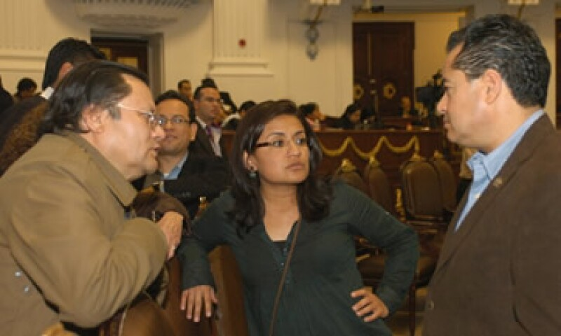 La aprobación en comisiones se dio entre recesos, acusaciones y 48 horas de desvelos. (Foto: Notimex)
