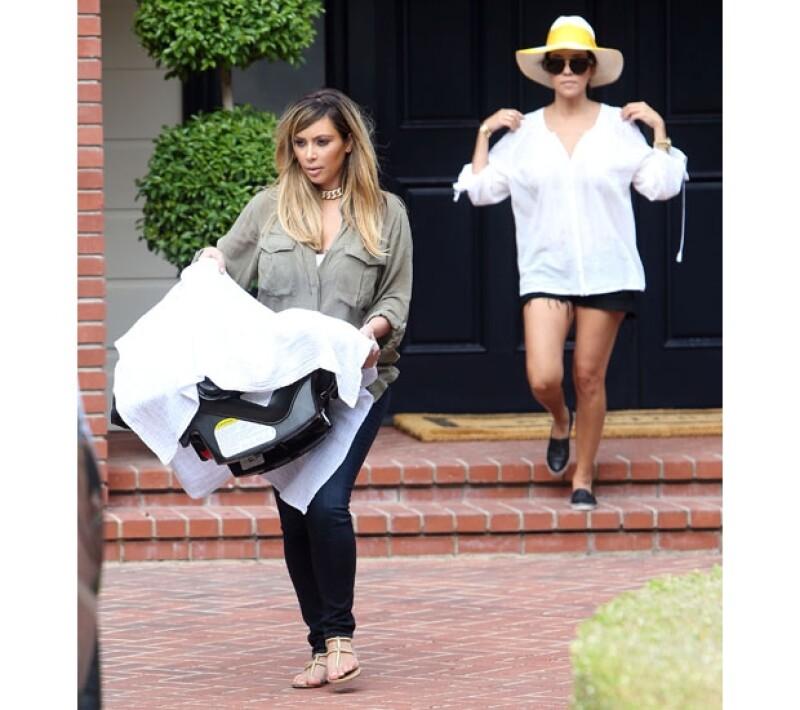 En un paso completamente inesperado, la estrella de reality show decidió pintarse más de la mitad de su pelo rubio.