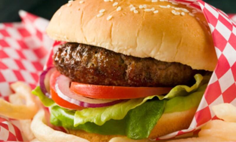 La Organización de Consumidores y Usuarios identificó a otra firma que también vende hamburguesas con carne de caballo.  (Foto: Getty Images)