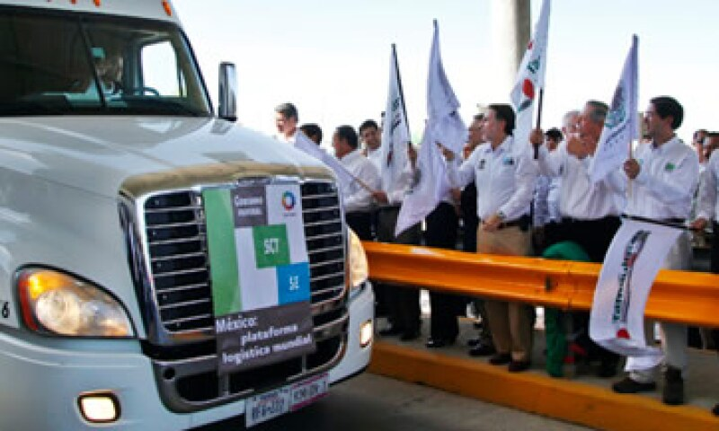 La empresa Transportes Olympic fue la primera en pasar a EU el viernes pasado. (Foto: Cortesía Secretaría de Economía)