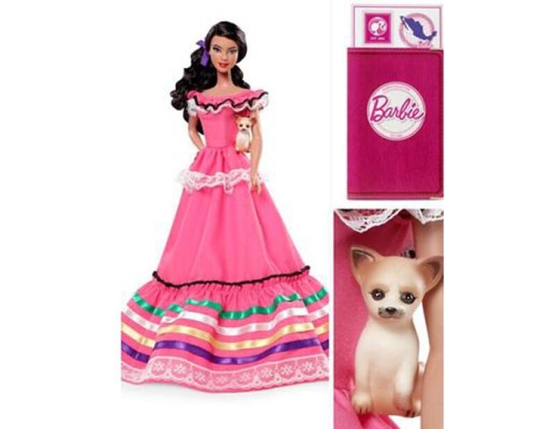 La muñeca lleva consigo un pasaporte y un chihuahua, que han sido señalados como elementos que hacen estigma de la cultura mexicana.