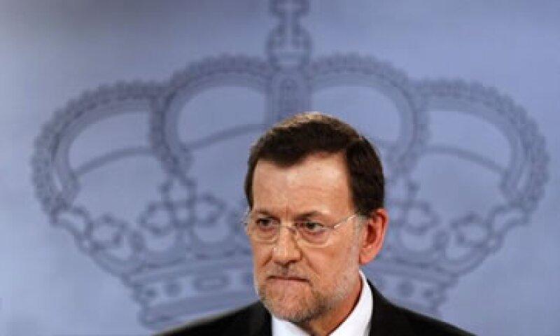 Rajoy indicó que es necesario tomar medidas urgentes para que la banca pueda deshacerse de activos inmobiliarios. (Foto: Reuters)
