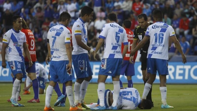 Los jugadores del Puebla, mal y de malas tanto en lo deportivo como en lo económico