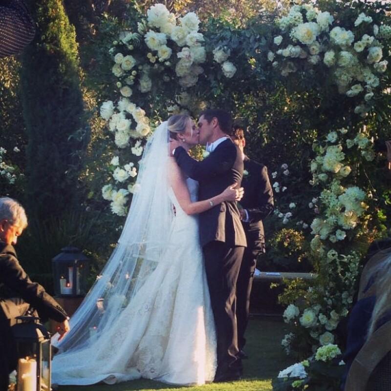 Sam Page y Cassidy Boesch tras ser declarados marido y mujer.