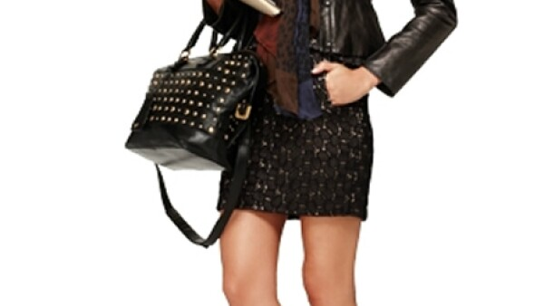 Faldas de estilo femenino combinadas con chaquetas en piel te harán lucir moderna y semiformal.