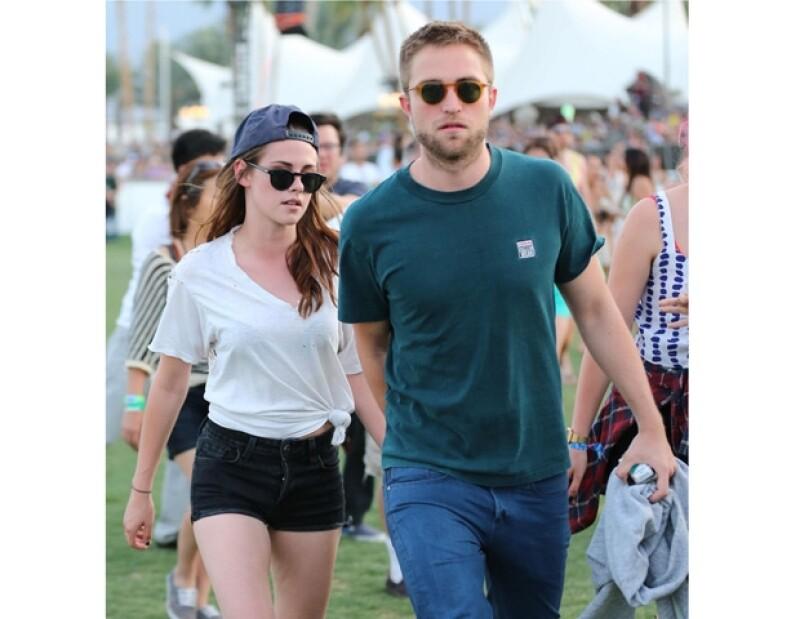 La pareja ha decidido darse la oportunidad de conocer más gente, hecho que tiene muy triste a Stewart porque tiene miedo de perderlo.