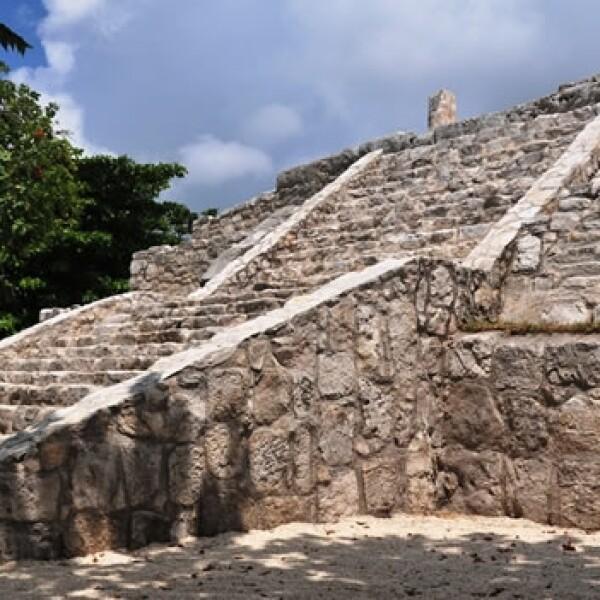 piramide de la zona arqueologica