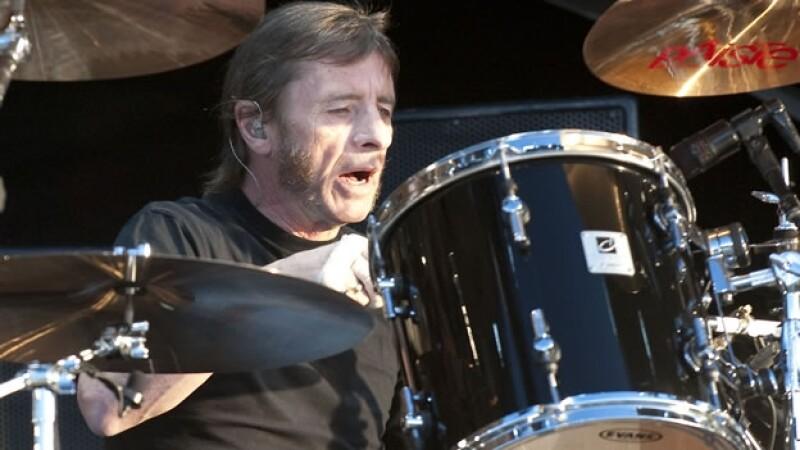 El baterista de AC/DC Phil Rudd enfrentará cargos por amenaza de muerte y posesión de drogas