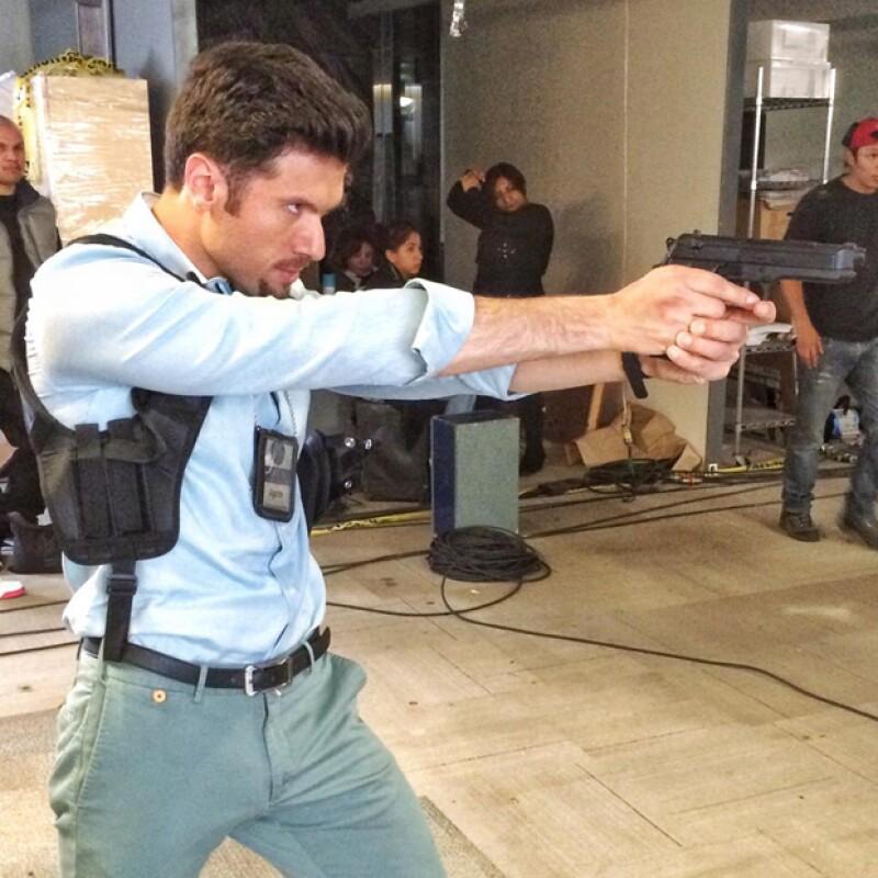 Mauricio Martínez en grabación para la serie Señora Acero 2.