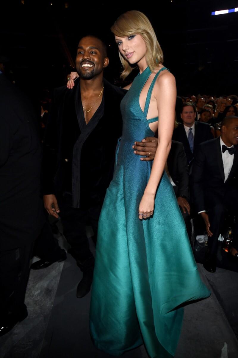 Durante los Grammy, el par de exitosos cantantes hicieron las paces a seis años del penoso momento que el rapero hizo pasar a la entonces inocente Taylor.