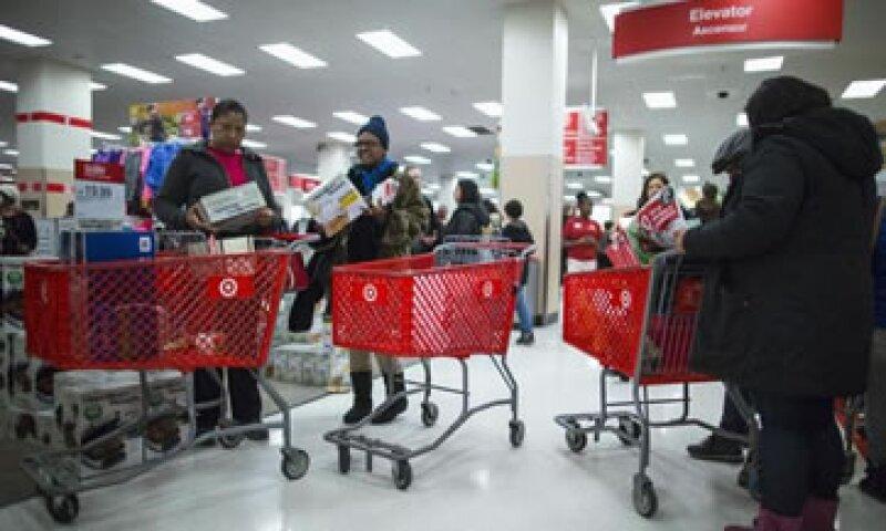 Las ventas por Internet crecen 17.3% en el Día de Acción de Gracias y el Black Friday.  (Foto: Reuters)