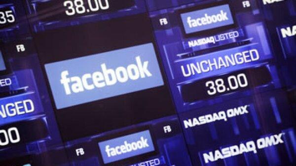Las acciones de Facebook aún están 17% por debajo del precio de su OPI, pero podría  recuperar terreno.  (Foto: AP)