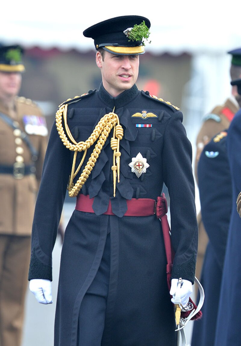 Este lunes, el futuro rey de Inglaterra comenzó su entrenamiento para convertirse en piloto de un helicóptero ambulancia.