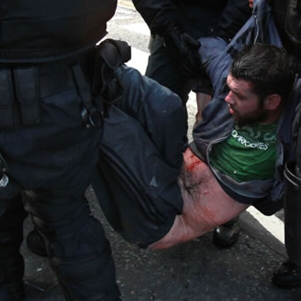 PROTESTANTES, CATOLICOS