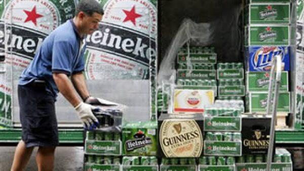 Heineken ocupa el tercer lugar de producción mundial de cerveza detrás de AB-InBev y SabMiller. (Foto: AP)