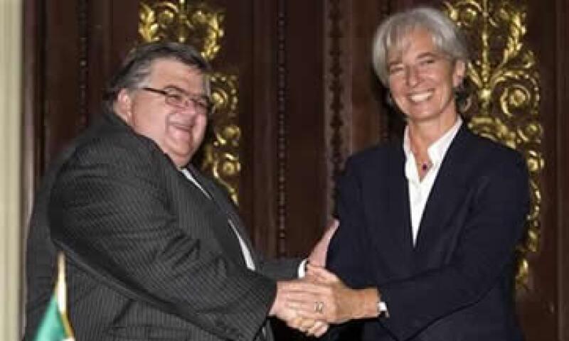 Las apuestas por la dirección del FMI se inclinan a favor de la francesa Christine Lagarde, con amplio margen sobre el gobernador del Banxico, Agustín Carstens. (Foto: Reuters)