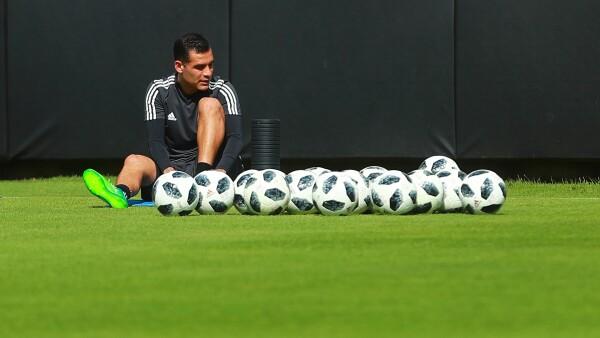 Rafa Márquez recibe emotiva visita en la concentración de la Selección