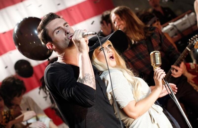 El cantante declaró que está en contra de las críticas que su compañera en The Voice sufre por su figura.