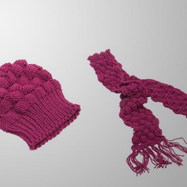 Protégete también con un gorro y una bufanda en color rosa mexicano.