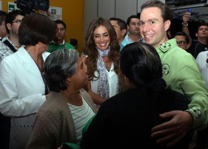 """El rumor de que la cantante espera a su primer hijo lo dio a conocer este viernes por la mañana Juan José Origel durante el programa """"Hoy""""."""