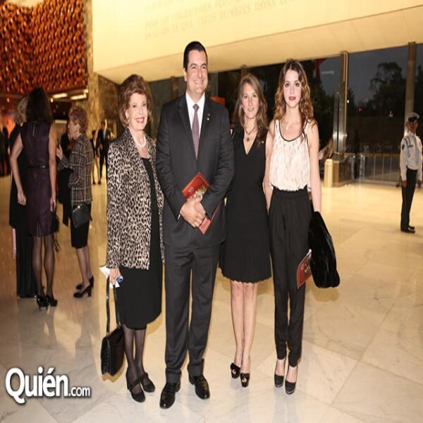 Georgette Magnani,José Luis Ramírez,Claudia Alemán,Christian Alemán