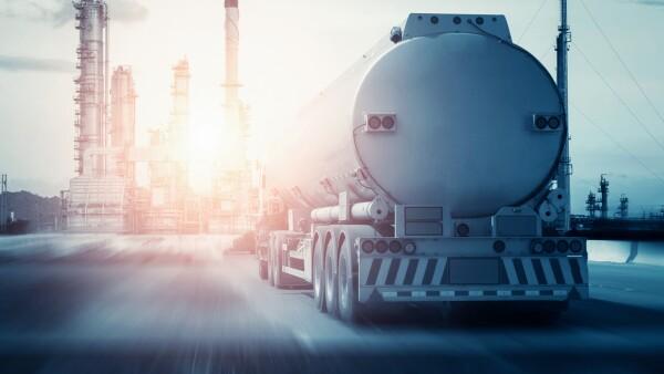 combustible refineria refinacion pipa plataforma extraccion combustibles petroleo