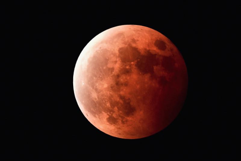 No, no es el fin del mundo. Relájate y disfruta del último eclipse lunar del 2015, además de ser un acontecimiento histórico.