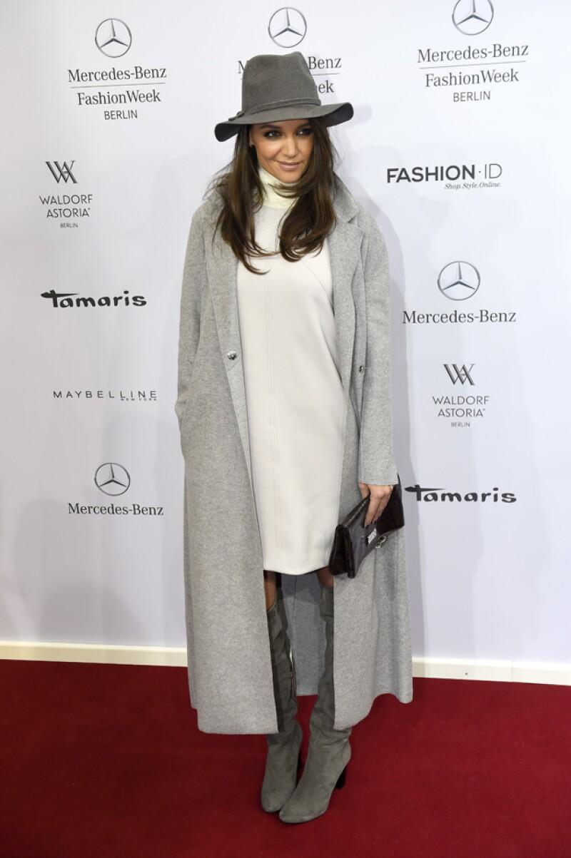 Así se veía Katie Holmes hace algunas semanas durante la semana de la moda en Berlín.