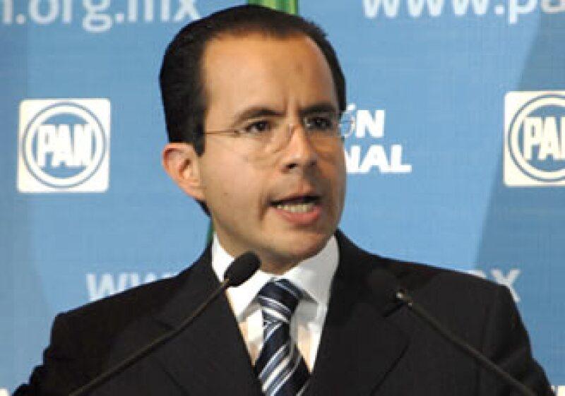 César Nava, candidato único del PAN,no obtuvo el respaldo total del partido. (Foto: Notimex)