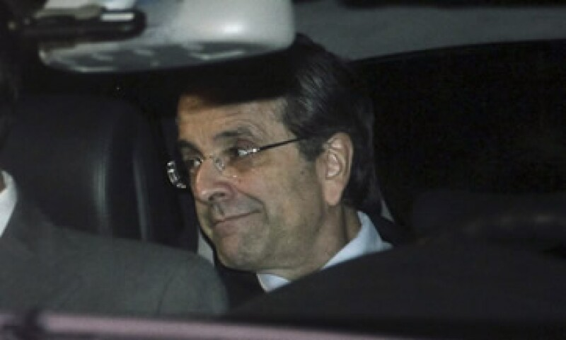 Antonis Samaras se reunió con el presidente y el saliente primer ministro para convenir el nuevo Gobierno. (Foto: Reuters)