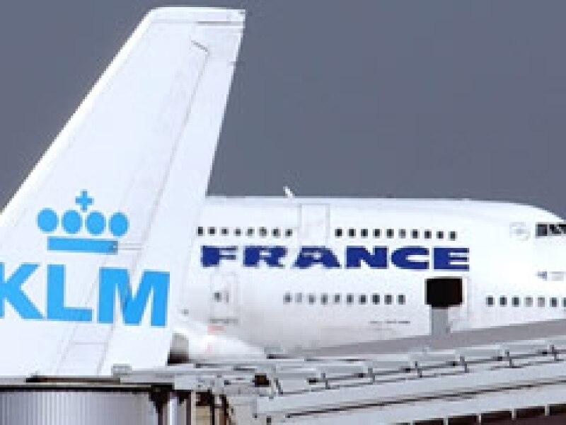 Air France-KLM no renovará los contratos de corto plazo ni reemplazará los puestos de personal que queden vacantes. (Foto: Archivo AP)