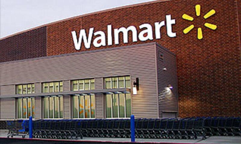 Aunque Walmart es la compañía más grande del mundo, sus ventas en EU han caído por 8 semestres consecutivos. (Foto: Cortesía Fortune)