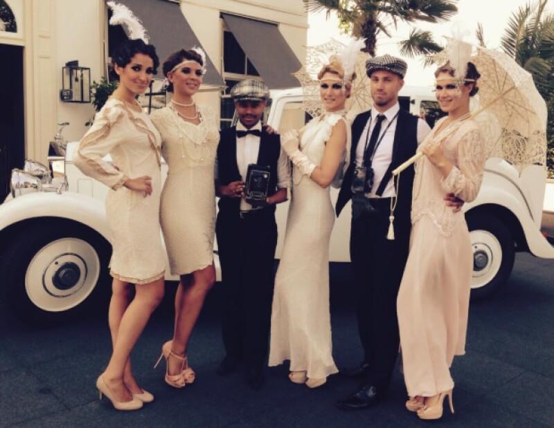 Los invitados se vistieron con vestidos que recordaban a los años 20.