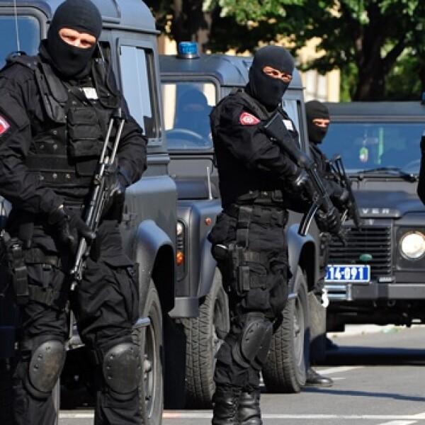 Mladic - custodios - Belgrado