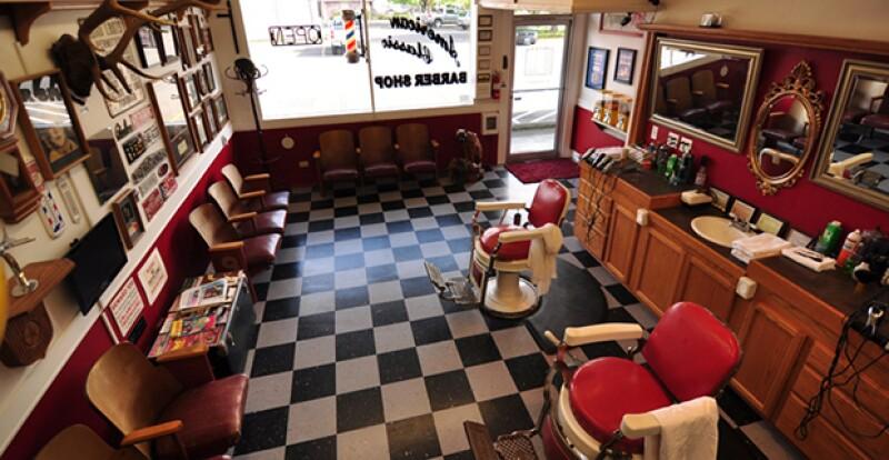 """Al llegar los años 80 y 90´s, las barberías se fueron desvaneciendo poco a poco, para darle lugar a lo que llamamos estética """"unisex""""."""