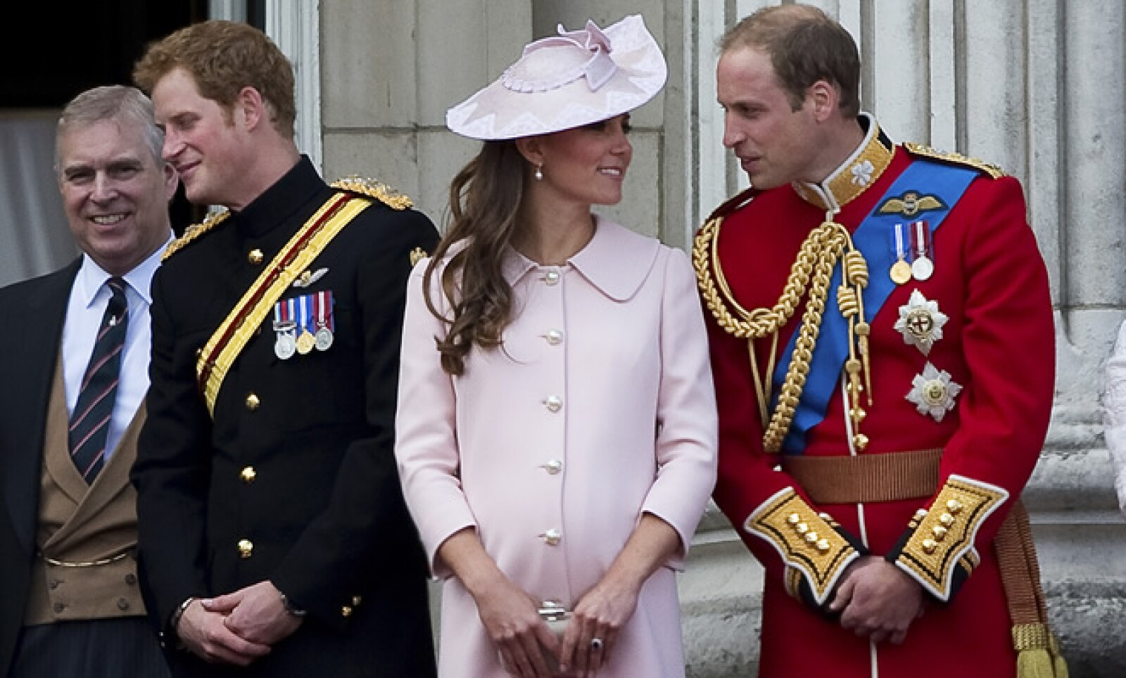 Kate y William esperan la llegada de su primer hijo, quien será el tercero en la línea de sucesión del trono británico.