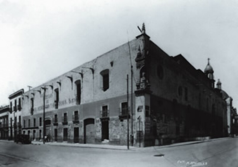 El convento fue construido por Pedro Briseño y en un principio estuvo destinado a las hijas de los primeros conquistadores que no tenían dote. (Foto: Cortesía Archivo Histórico INAH)