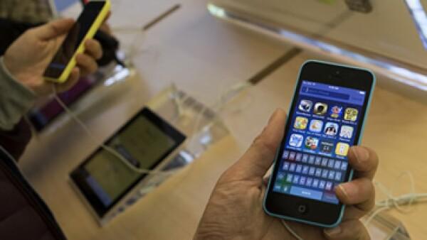 El iPhone de uno de los atacantes de San Bernardino es objeto de investigación en un caso de terrorismo (Foto: Reuters/Archivo)