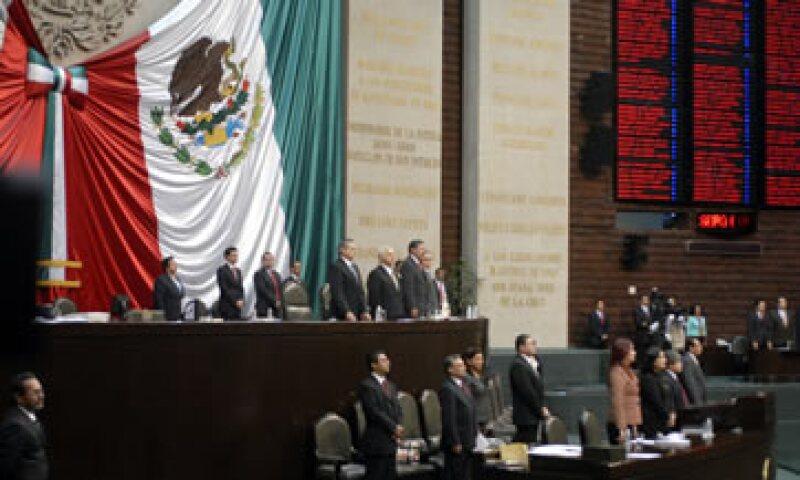 Los nuevos líderes del Poder Legislativo deberán lidiar con iniciativas congeladas y sacar adelante las reformas que requiere el país. (Foto: Notimex)