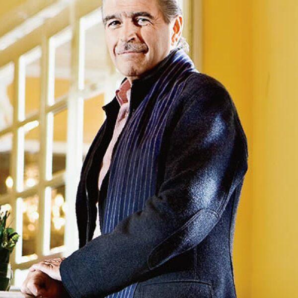 """Luis Gálvez es director y propietario del restaurante """"Les Moustaches"""" que ha ganado durante 12 años consecutivos el premio """"Cinco estrellas de diamante""""."""