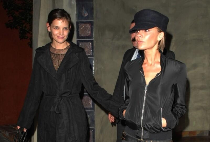 Tanto `Posh´ como la ex de Tom Cruise mostrarán sus colecciones el mismo día, en la Semana de la Moda de Nueva York. A pesar de la `rivalidad´que sugiere la situación, ambas son muy amigas.