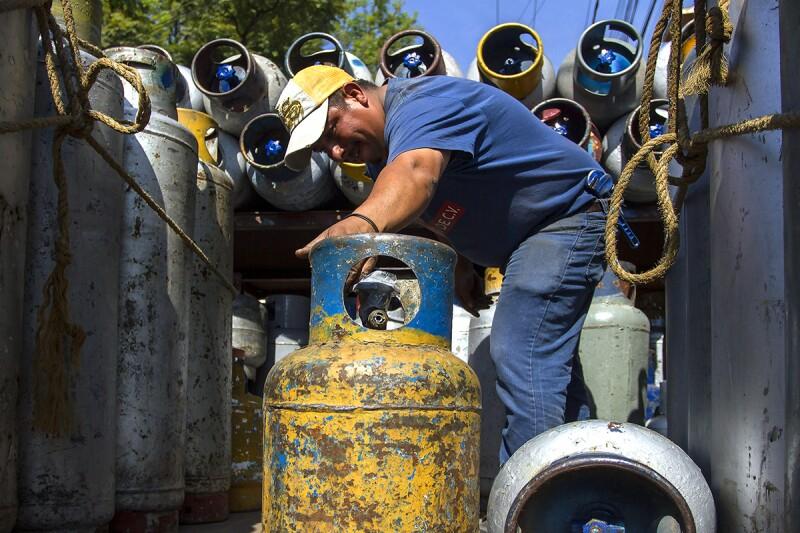 El menor costo del combustible, de 12.76 pesos, se encuentra en algunas localidades de Tamaulipas. (Foto: Cuartoscuro)