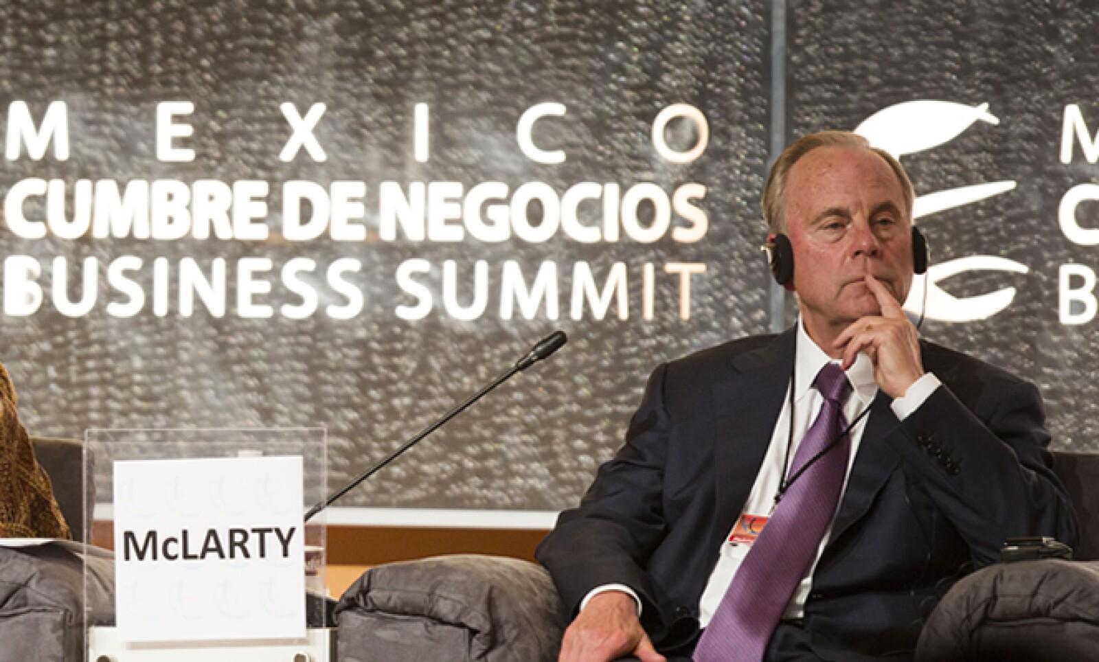 El presidente de McLarty Associates participó en la mesa sobre la relación México-Estados Unidos tras las elecciones presidenciales en ambos países.