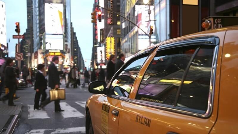 Los inmigrantes ilegales en Nueva York podrán obtener varios beneficios con una nueva tarjeta de identificación