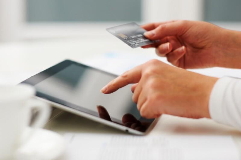 Los costos de una tarjeta empresarial y personal son distintos, la primera ofrece límites de crédito más grandes que benefician a las pequeñas y medianas empresas.  (Foto: Getty Images)